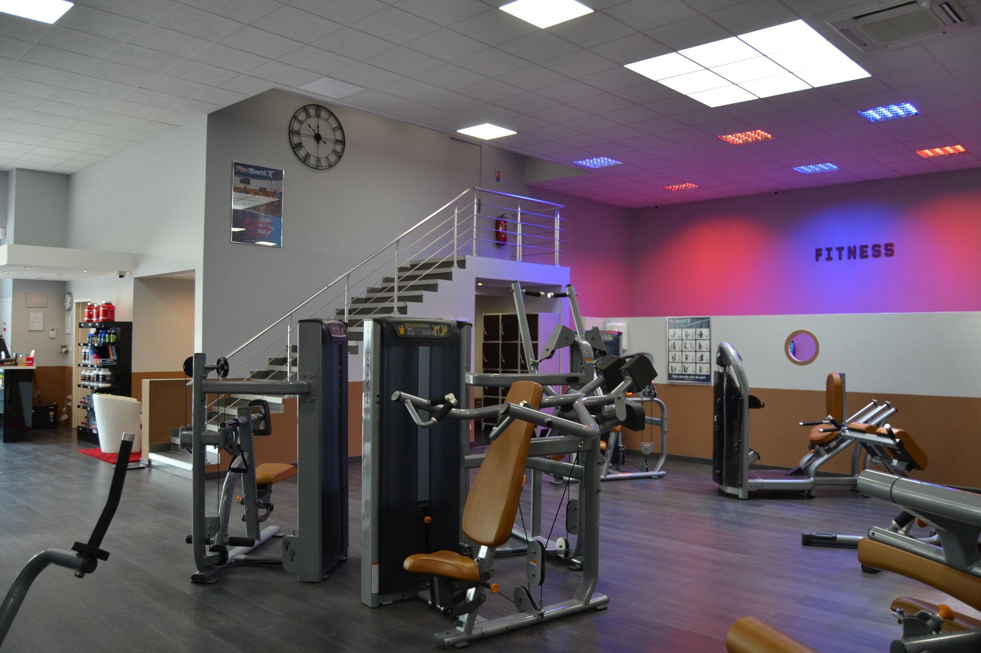 salle de sport design salle de sport design nos designs. Black Bedroom Furniture Sets. Home Design Ideas